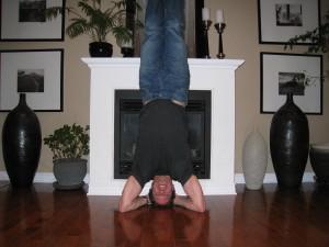 Eliot Headstand